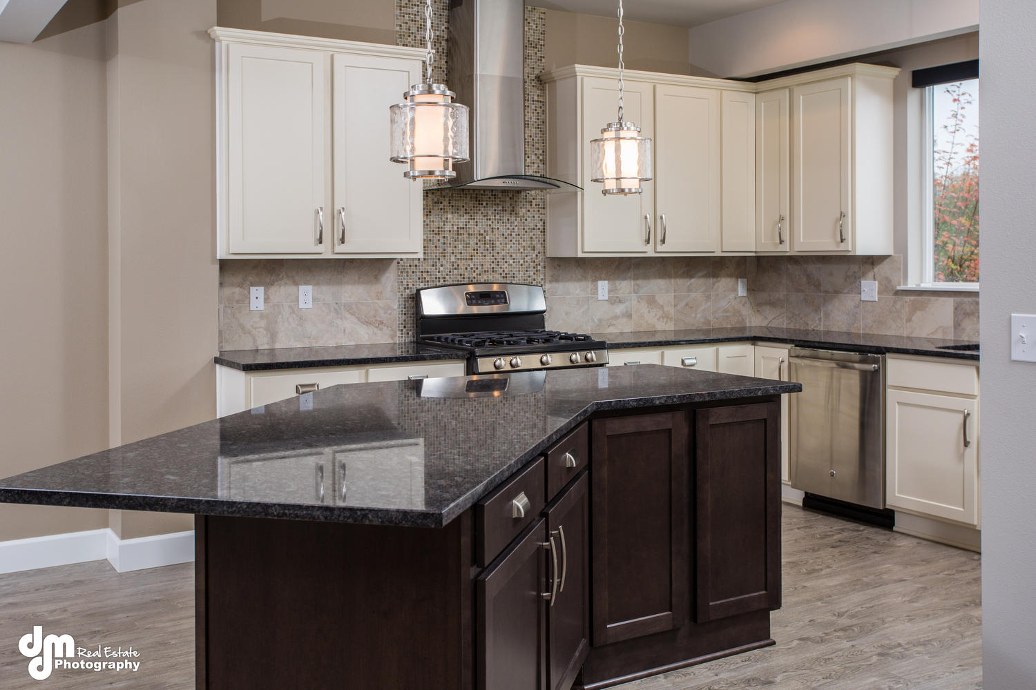11425-Moonrise-Ridge-Place-large-008-Kitchen-1500x1000-72dpi