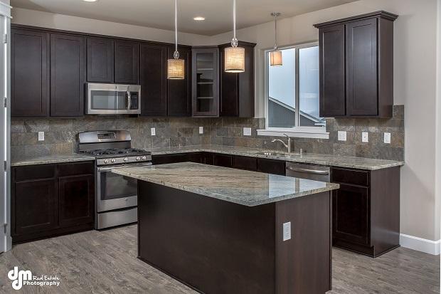 3158-Morgan-Loop-Anchorage-AK-print-005-Kitchen-4200x2801-300dpi