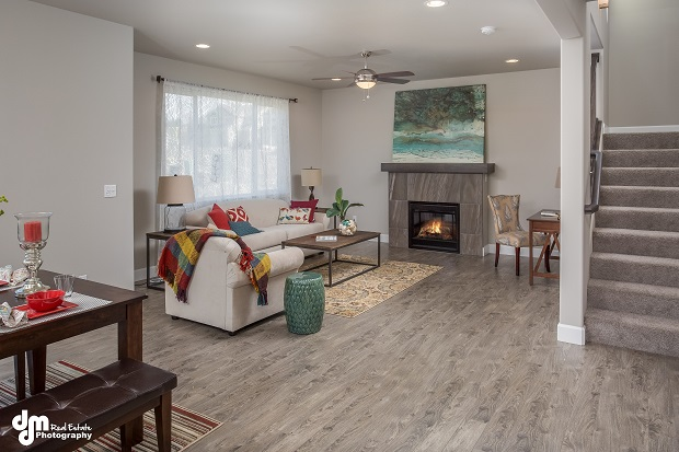 3234-Morgan-Loop-Anchorage-AK-print-036-Living-Room-DMD-3954-4200x2800-300dpi
