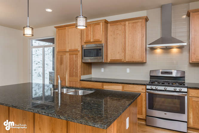 5695-Grand-Teton-Loop-small-009-10-Kitchen-IMG-5829-666x444-72dpi
