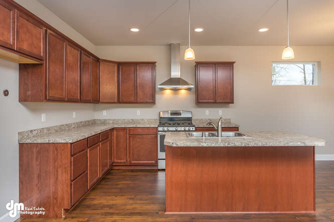 8090-GrayHawk-Circle-Anchorage-small-008-20-Kitchen-IMG-0517-666x444-72dpi