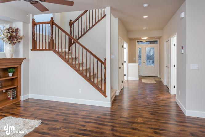 John-Hagmeier-Homes-Dahlia-print-003-Staircase-4200x2800-300dpi-e1453367955864