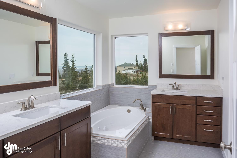 19225 Potter Highlands Drive-large-015-35-Master Bathroom DMD 3710-1500x1000-72dpi
